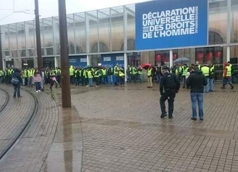 سفارات ووزارات خارجية عدة دول تحذر من السفر لباريس بسبب التظاهرات
