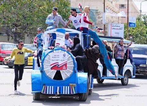 """""""طفطف الانتخابات"""".. وسيلة أهالي الإسكندرية المجانية للجان الاستفتاء"""