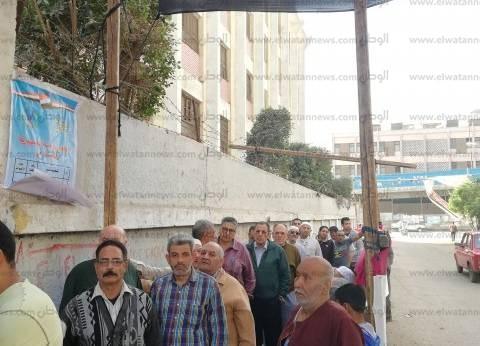 """مرصد """"دعم مصر"""": إقبال من الناخبين في لجنة مدرسة """"زويل"""" ببورسعيد"""