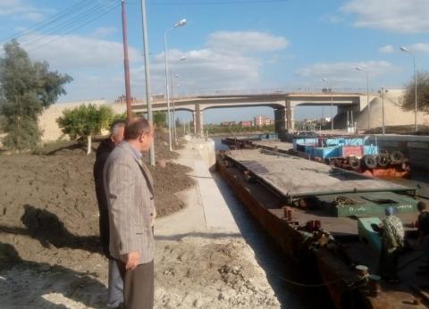 """مدير عام التشغيل بـ""""النقل النهري"""" يجري زيارة تفقدية لهويس فم النوبارية"""