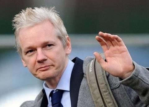 """مؤسس """"ويكيليكس"""": """"كلينتون"""" مرتبطة بـ""""داعش"""".. وأرسلت أسلحة للإرهابيين عن طريق قطر"""