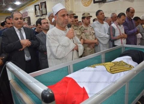 محافظ الغربية يطلق أسماء شهيدي حادث العريش الإرهابي على مدارس ببسيون