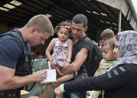الحكومة السورية تشكل لجنة تنسيق لإعادة اللاجئين من الخارج