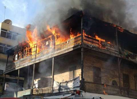 إنهيار منزل خشبي بعد إندلاع الحريق فيه دون إصابات ببورسعيد