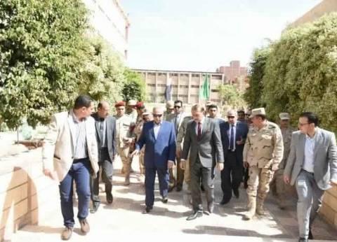 محافظ الشرقية يتفقد اللجان الانتخابية بمركز ومدينة ههيا