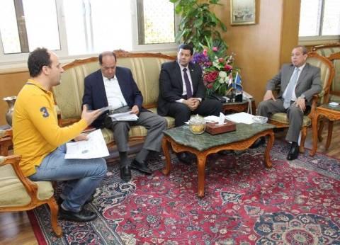 محافظ دمياط يجتمع باللجنة المنظمة لأكبر معرض لتكنولوجيا صناعة الأثاث بالشرق الأوسط