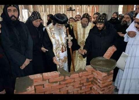 وضع حجر أساس كاتدرائية السيدة العذراء والقديس مكاريوس بالدلنجات