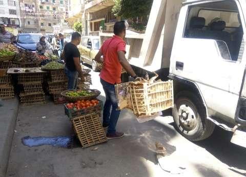 حي وسط الإسكندرية يشن حملة لرفع الإشغالات بمنطقة محرم بك