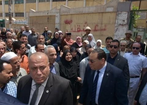 محافظ الشرقية: لجان الاستفتاء تشهد إقبالا كثيفا من المواطنين