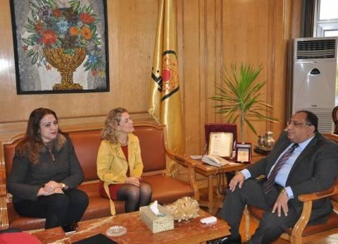 بالصور| رئيس جامعة حلوان يجتمع بنائب رئيس جامعة مورسيا الإسبانية