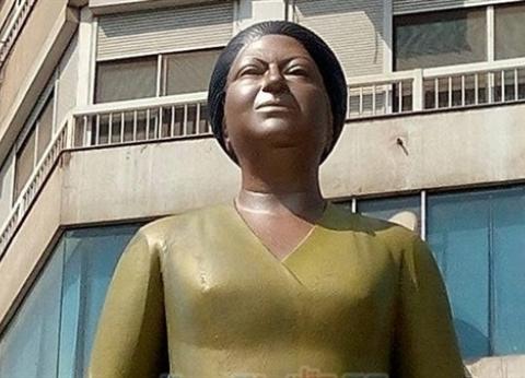 """عميد """"فنون جميلة حلوان"""": انتشار التماثيل المشوهة بالميادين """"أزمة وعي"""""""