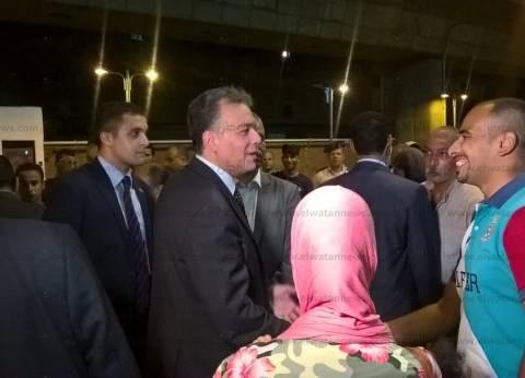 وزير النقل يتفقد سير العمل في محطة الجيزة: نتابع عملية بيع التذاكر