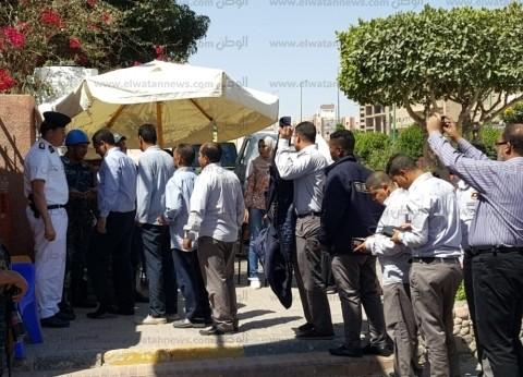 طوابير على لجان الوافدين بالغردقة في اليوم الثاني للاستفتاء