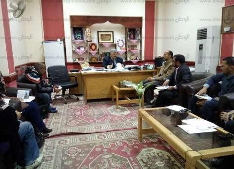 """وكيل """"التربية والتعليم"""" بجنوب سيناء يجتمع بمسؤولي التواصل بالإدارات التعليمية"""