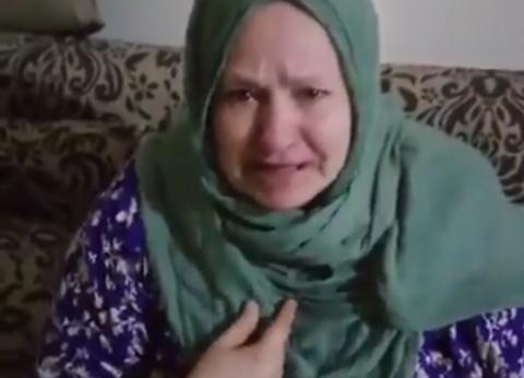 """القصة الكاملة لاستغاثة مسنة من مطعم سوري بالإسكندرية: """"مش عارفة أعيش"""""""
