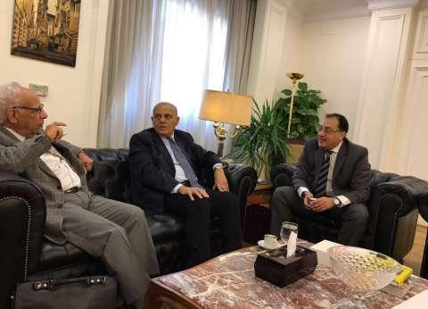 وزير الإسكان يلتقي مجدي يعقوب لإنهاء إجراءات أرض المركز الطبي
