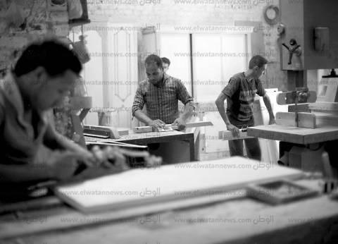 طهطا.. مركز صناعة الموبيليا.. وأصحاب الورش: «حالنا واقف.. ومش عارفين نأكل عيالنا»