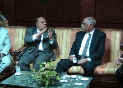 بالصور| جامعة أسيوط تستضيف رئيس الاتحاد المصري لكرة القدم