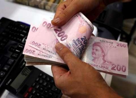 عاجل| انهيار الليرة التركية يهز بورصة نيويورك وأردوغان يتصل ببوتين