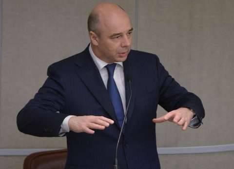 وزير المالية الروسي يصل القاهرة لبحث تداعيات حادث الطائرة المحطمة بسيناء