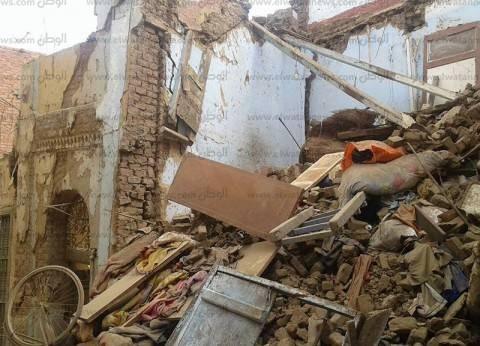 """محمد موسى بعد انهيار عقارات الإسكندرية: """"في الآخر يضحوا بالمحافظ المسكين"""""""