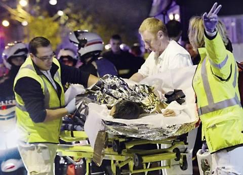 """رئيس الوزراء الفرنسي: التعرف على 103 جثث لضحايا """"هجمات باريس"""""""