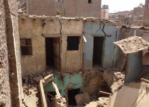 نائب محافظ القاهرة: انهيار سلم عقار أثري في حلوان وإخلاء 10 أسر