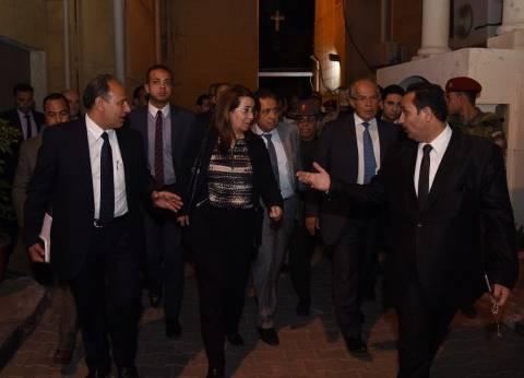 محافظ الإسكندرية يقدم واجب العزاء في ضحايا تفجير الكنيستين