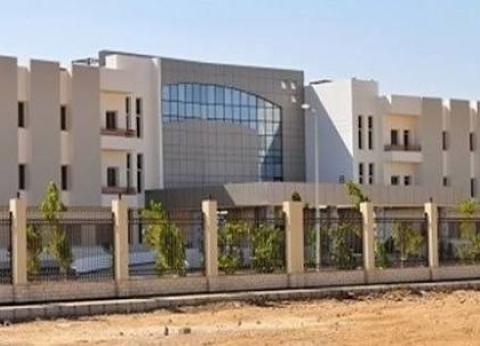 مستشفى دمياط العسكري تستضيف خبير بمناظير العمود الفقري 21 سبتمبر