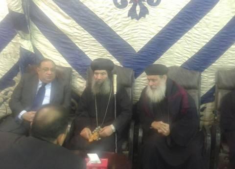 رئيس جامعة حلوان يزور كنيسة العذراء بحلوان لتقديم واجب العزاء