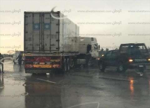 """""""الطرق والكباري"""" تدفع بـ6 فرق لإزالة المياه من على الطريق الصحراوي"""