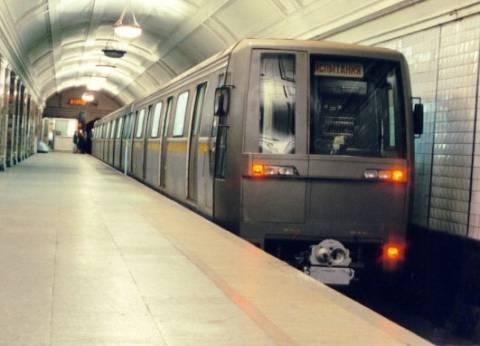 روسيا تحقق في ركوب أشخاص مترو الأنفاق بدون سراويل