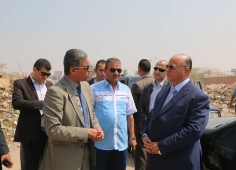 """محافظ القاهرة يطالب بتوفير الاشتراطات البيئية بمقلب """"الوفاء الأمل"""""""