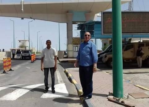 """محافظ البحر الأحمر يتفقد الخدمات الأمنية بـ""""كمين المطار"""" بالغردقة"""