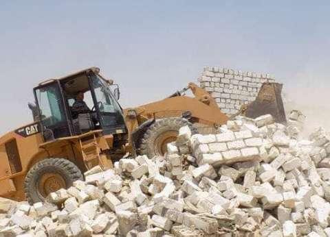 إزالة تعديات على الأراضي الزراعية بمركز مطاي في المنيا