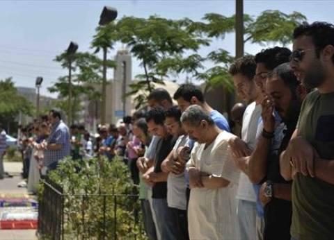 """أهالي """"الطائرة المنكوبة"""" يصلون الغائب على أرواح ذويهم.. وإمام المسجد: شهداء"""