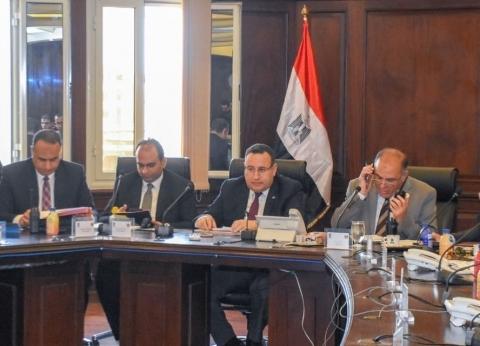 محافظة الإسكندرية يتابع سير عمل الاستفتاء