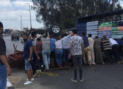 مصرع صائد أسماك وإصابة 9 آخرين في حادث انقلاب سيارة بالفيوم