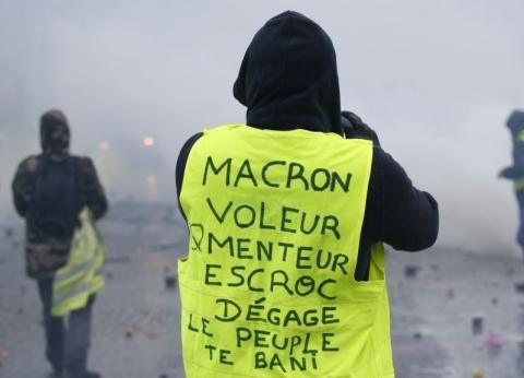 """""""السترات الصفراء"""" تخطط للانتشار في ألمانيا وهولندا وبريطانيا بعد فرنسا وبلجيكا"""