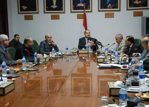 عصام فايد يعقد اجتماعا مع أعضاء المجلس التصديري للحاصلات الزراعية