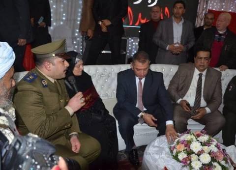 بالصور| محافظ كفر الشيخ يبكي في حفل تكريم أسر الشهداء: أحياء عند ربهم يرزقون