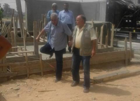 رئيس مدينة البياضية بالأقصر يتابع سير العمل بمحطة مياه البغدادي