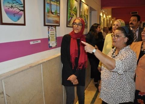 مساعد وزير التعليم لشؤون المديريات تتفقد معرض مدرسة أجيال الدولية