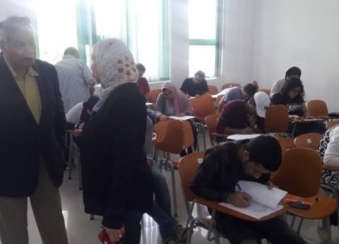 رئيس جامعة هليوبوليس يتفقد سير امتحانات نهاية العام بالكليات