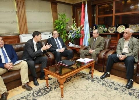 محافظ كفر الشيخ يبحث خدمات الصرف الصحي مع بنك الاستثمار الأوروبي