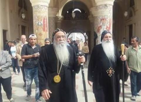 أسقف الفيوم يدلو بصوته ويدعو المواطنين للمشاركة بالانتخابات من أجل مصر
