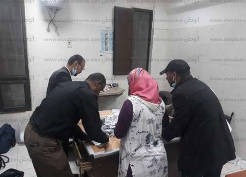 مؤشرات أولية| لجنة 2 بمدرسة صبري في الفيوم: السيسي 2319 صوتا وموسى 77