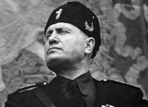 """""""موسوليني"""" الذي أشعل أزمة بين حفيدته وجيم كاري: """"ملحد وهرب من التجنيد"""""""