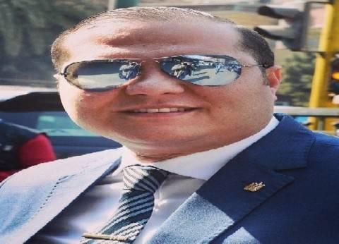 «أمن الجيزة» يكرم رئيس «العلاقات العامة والإعلام» لتميزه فى العمل