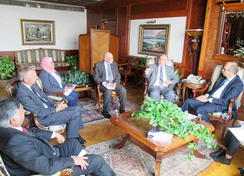 وزير الري يتلقى دعوة من هولندا لحضور اجتماع استشاري بين البلدين